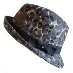 Καπέλο καβουράκι μάλλινο γυναικείο χειμερινό, αριστερή όψη